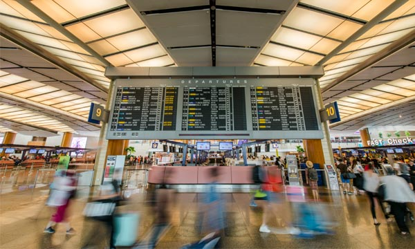 L'IATA veut rendre les tests obligatoires pour tous avant l'embarquement