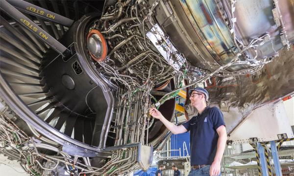 Rolls-Royce teste une alimentation moteur avec 100% de carburant durable