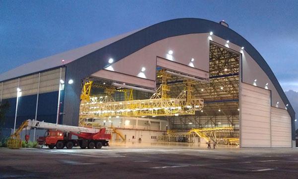 Assa Abloy voit grand pour des hangars aéronautiques plus efficaces et plus sûrs
