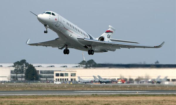 Le nouveau Falcon 6X de Dassault Aviation a réalisé son premier vol