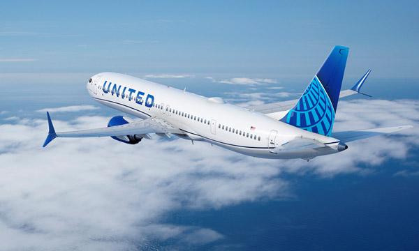 United Airlines se transforme et passe des commandes géantes auprès de Boeing et d'Airbus