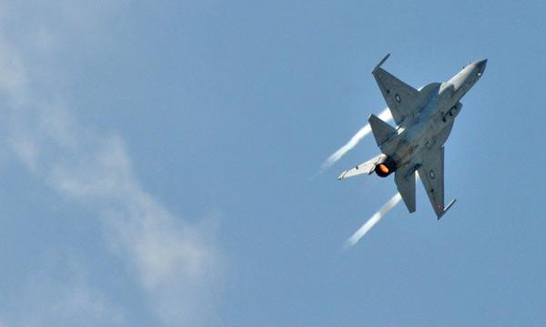 Bourget 2015 : Le JF-17 Thunder fait son show